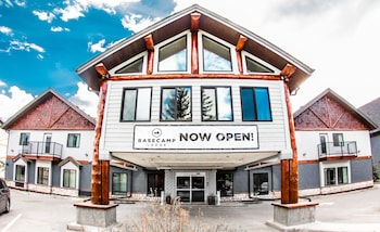 Picture of Basecamp Lodge in Canmore