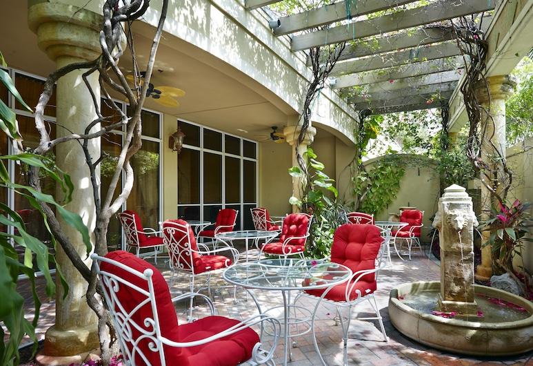 西棕櫚灘市中心機場希爾頓歡朋飯店, 西棕櫚海灘, 露台