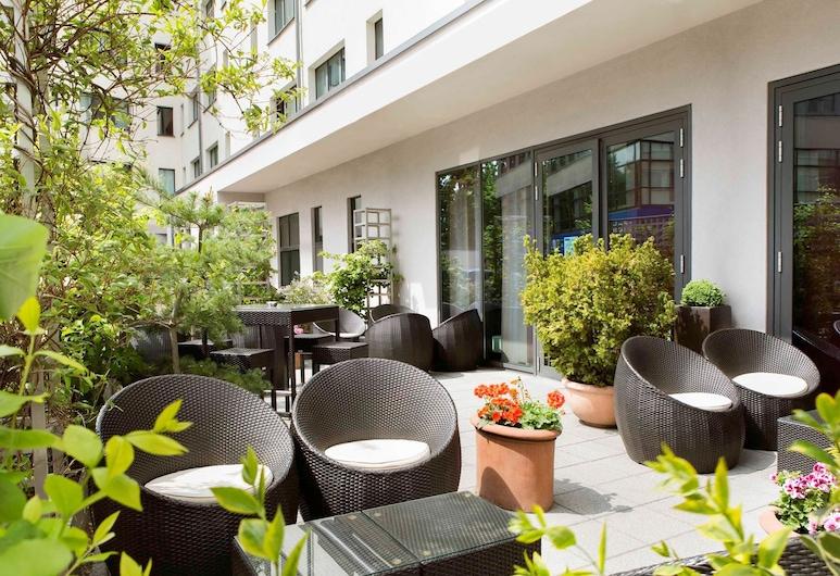 Novotel Suites Berlin City Potsdamer Platz, Berlin, Terrace/Patio