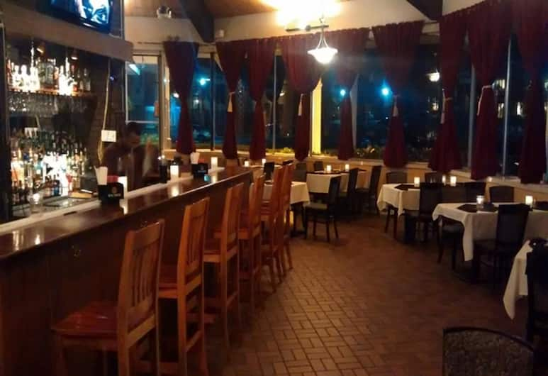 Hyannis Plaza Hotel, Hyannis, Restaurant