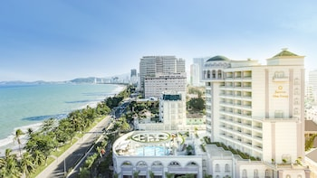 Picture of Sunrise Nha Trang Beach Hotel & Spa in Nha Trang