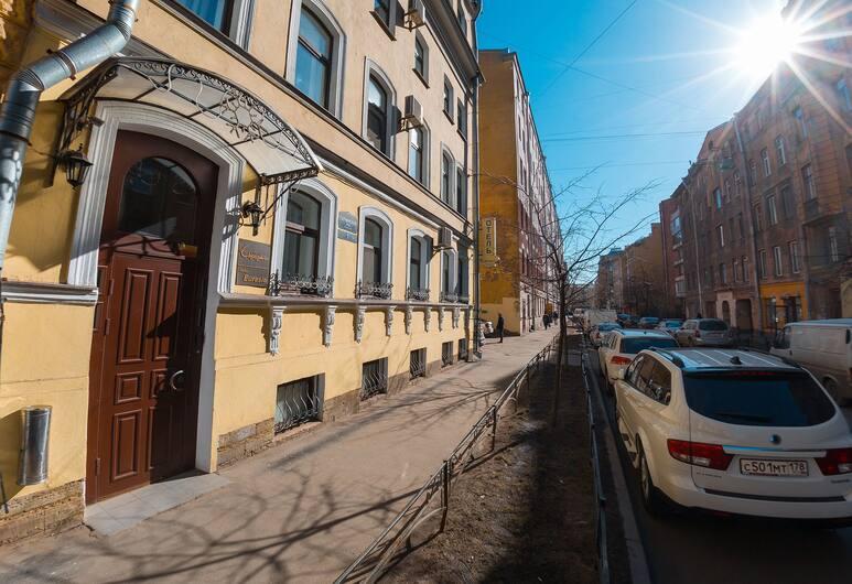 Гостиница «Евразия», Санкт-Петербург, Фасад отеля