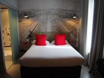 Paris bölgesindeki Porte de Versailles Hotel resmi