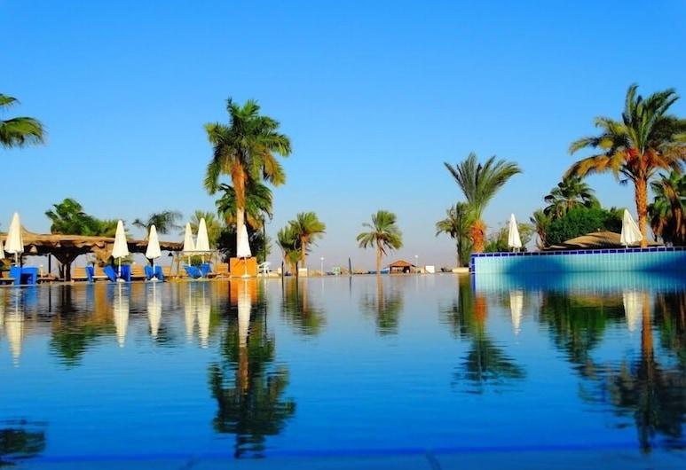 塔巴普拉雅海灘渡假村, 努韋巴, 游泳池