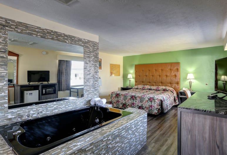 Drake Inn, Nashville, Svit Deluxe - 1 kingsize-säng - utsikt mot poolen (Jacuzzi), Bubbelbad