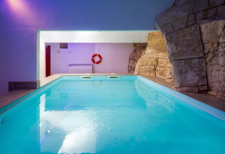 夏斯蒂隆陽光飯店, 伊索拉, 游泳池
