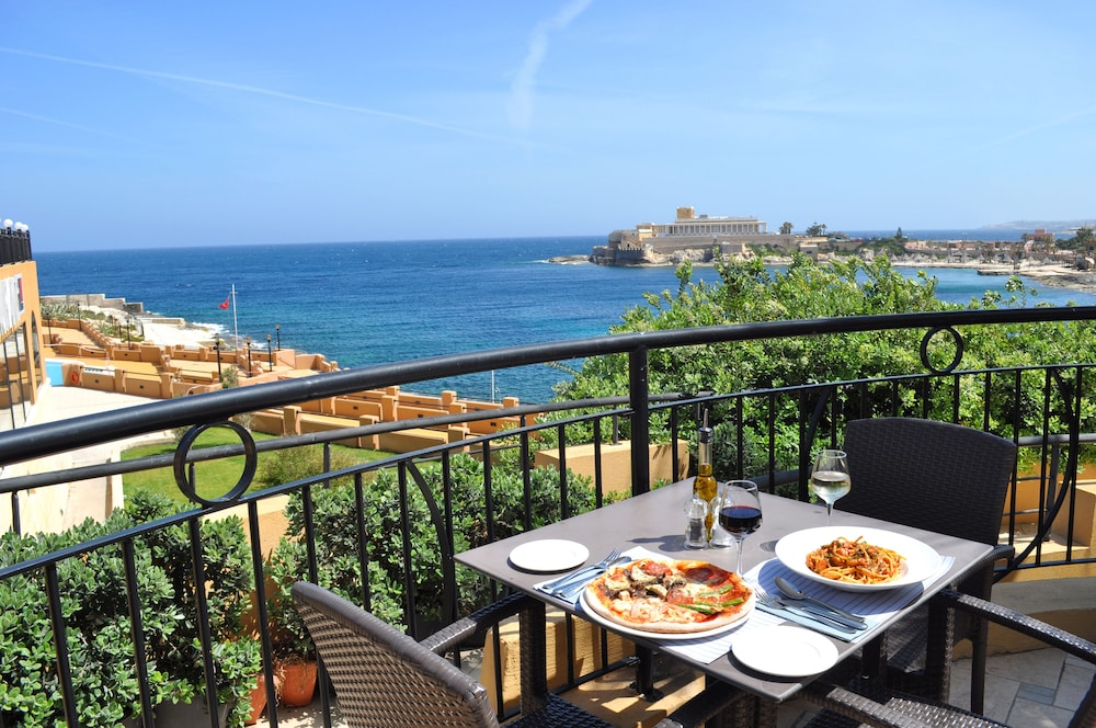 Marina Hotel Corinthia Beach Resort St Julian S Restaurant