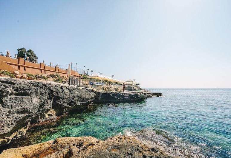 Marina Hotel Corinthia Beach Resort, St. Julian's, Strand