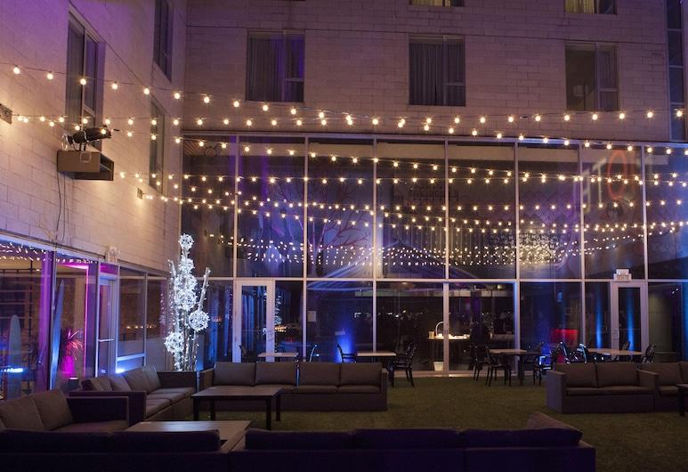 10 號飯店, 蒙特婁, 露台