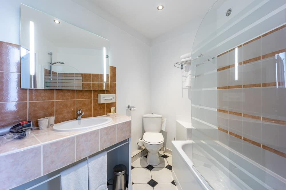 Chambre Classique, 1 grand lit, non-fumeurs, vue ville - Salle de bain