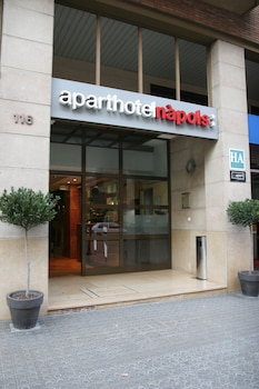 Mynd af Aparthotel Napols í Barselóna