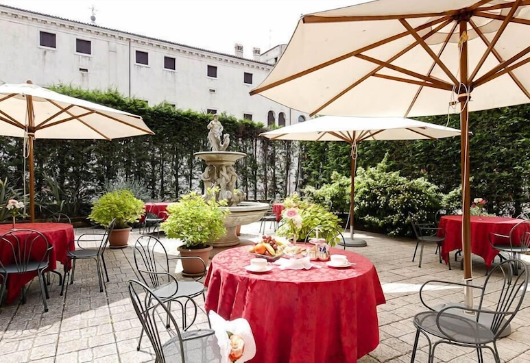 Belle Arti Hotel, Venecija, Vakarienės lauke