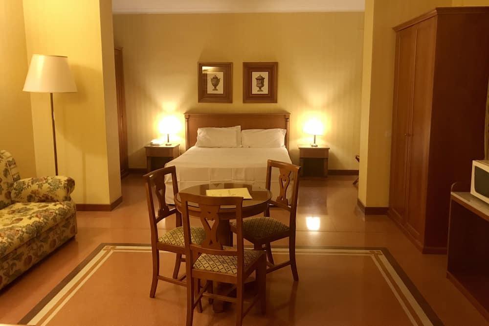 Classic Room, 1 Bedroom, Courtyard View - Guest Room