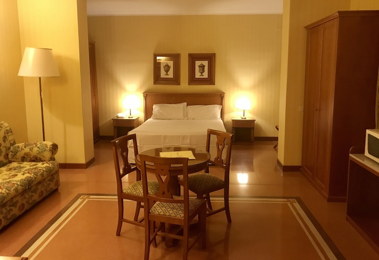 Residenza D'Aragona, Palermo, Classic Room, 1 Bedroom, Courtyard View, Guest Room