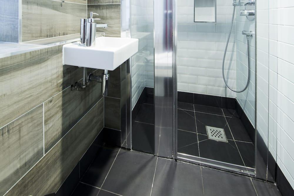 Superior King - Bathroom