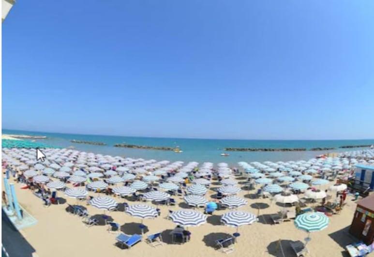 Grand Hotel Montesilvano, Montesilvano, Beach