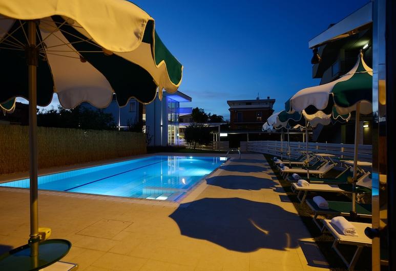 Best Western Hotel Rome Airport, Fiumicino, Alberca al aire libre
