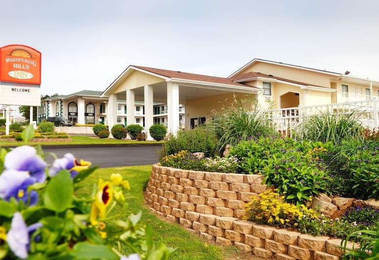 Whispering Hills Inn, Branson, Otelin Önü