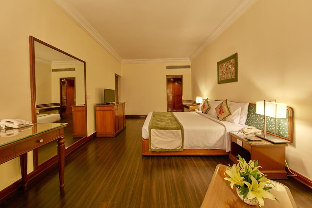 Club Room - Guest Room