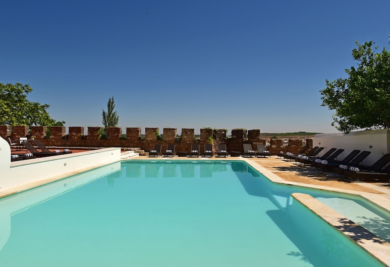 Pousada Castelo de Estremoz - Historic Hotel, Estremoz, Utomhuspool