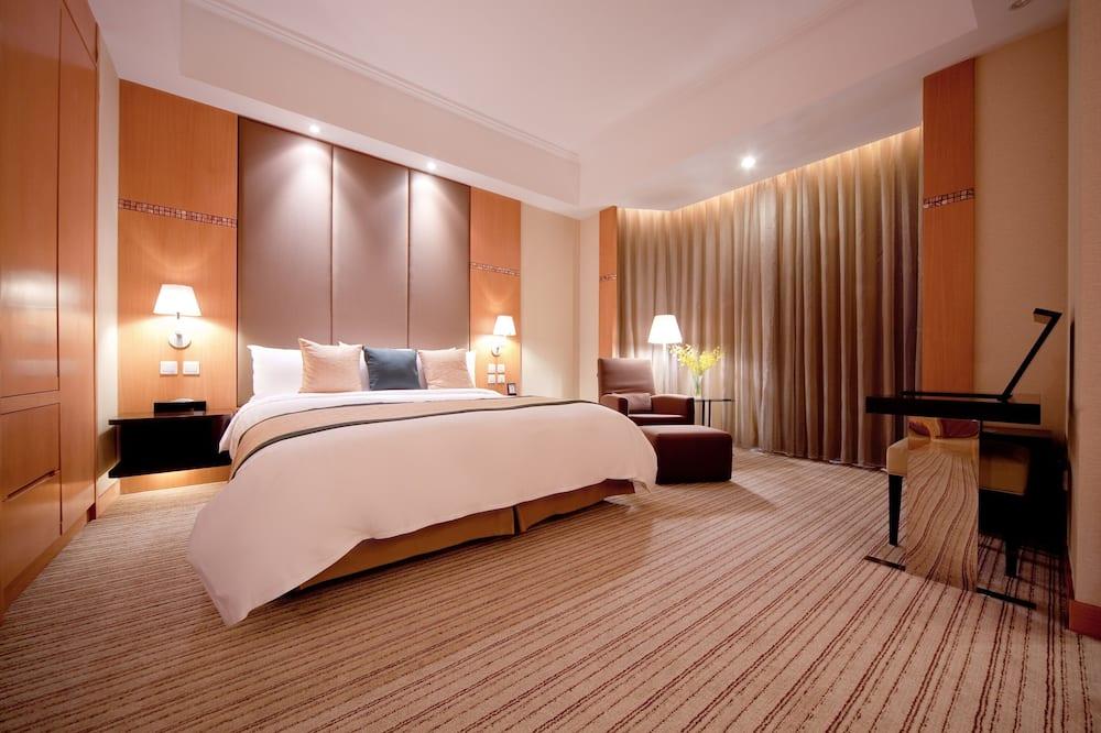 One-Bedroom Suite King - Guest Room