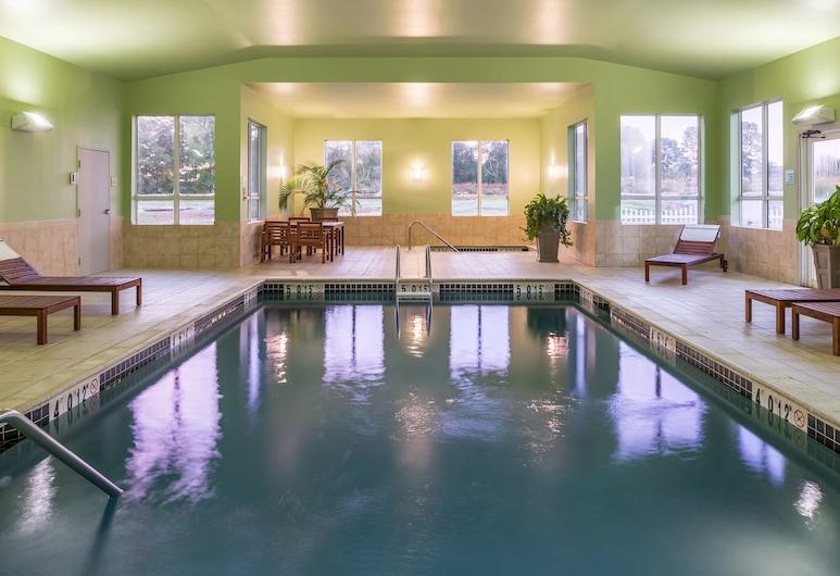 ฮอลิเดย์อินน์เอ็กซ์เพรส มิสติก, มิสติก, สระว่ายน้ำ