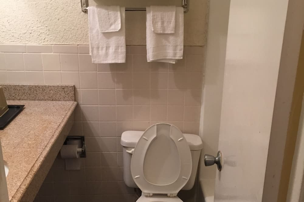 Pokoj, 2 dvojlůžka (180 cm), nekuřácký - Koupelna