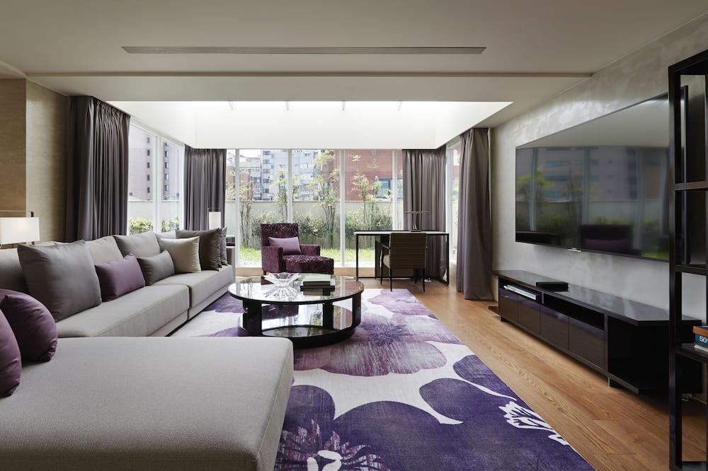 Apartmán typu Deluxe, 1 spálňa, balkón, vo veži - Obývacie priestory
