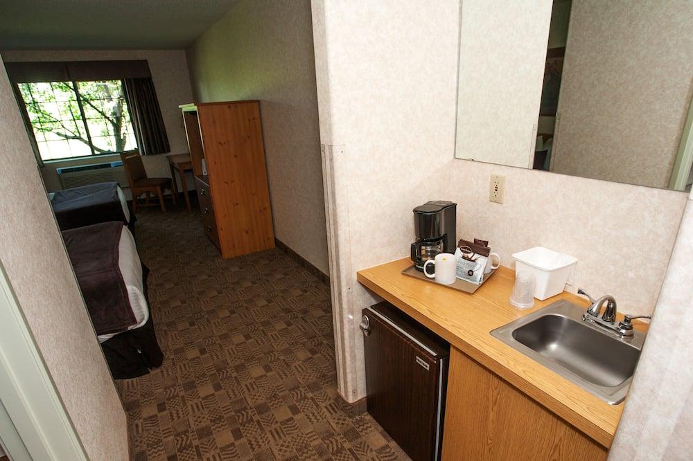 Standard Room, 2 Katil Ratu (Queen), Non Smoking - Peti Sejuk Mini