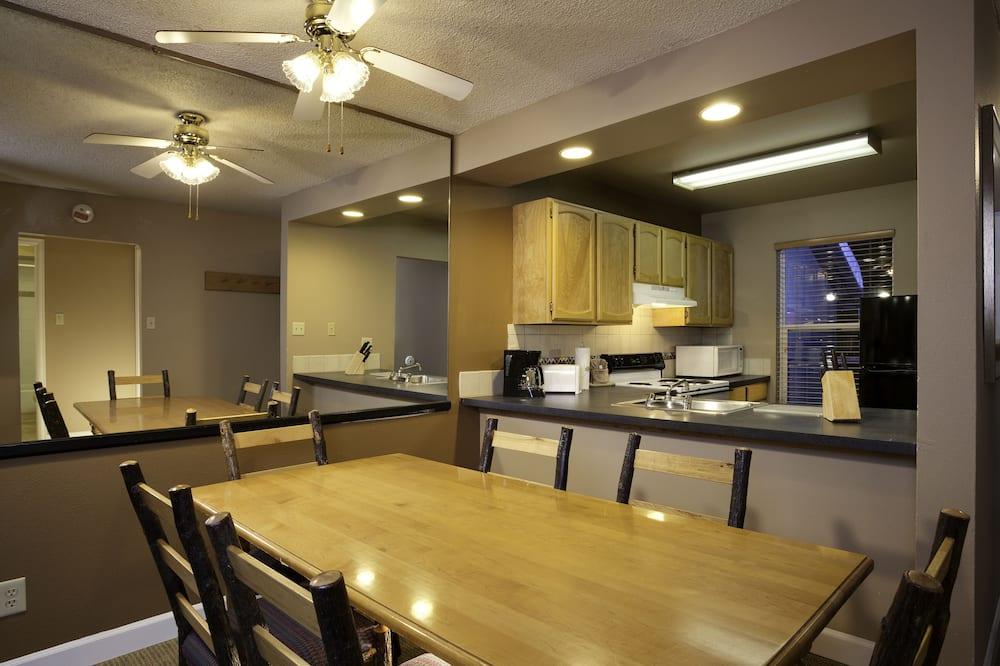 Suite, 2 Bedrooms - Tempat Makan dalam Bilik