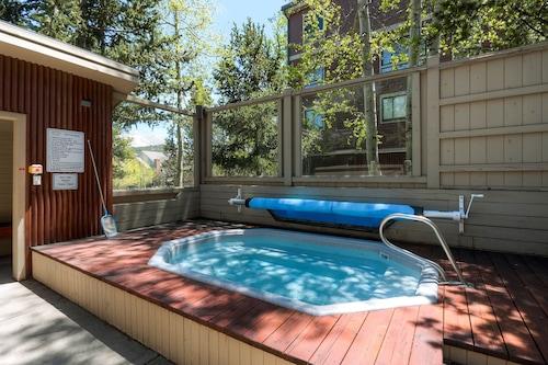 滑雪山公寓式客房酒店