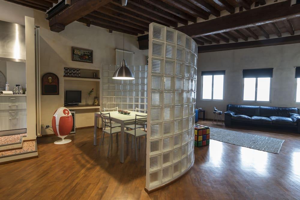 家庭公寓, 1 間臥室, 城市景, 附屬樓 (via Fillungo 3rd Floor) - 客廳