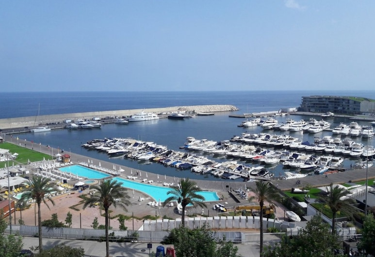貝魯特門羅酒店, 貝魯特, 海灘