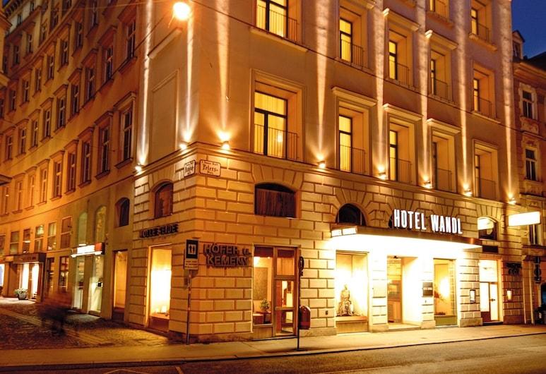Hotel Wandl, Wiedeń, Z zewnątrz
