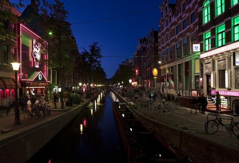 Hotel Torenzicht, Amsterdam, Hotelfassade am Abend/bei Nacht