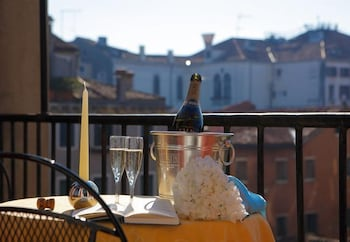 Picture of Al Portico Guest House Venezia in Venice
