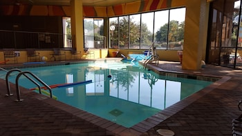 Fotografia hotela (Ramada Plaza by Wyndham Atlanta Airport) v meste College Park