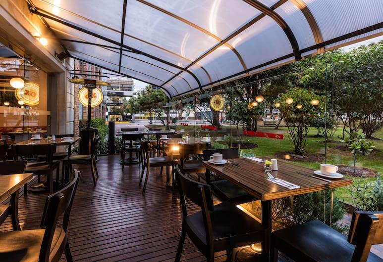 Hotel Morrison 84, Bogotá, Kültéri étkezés