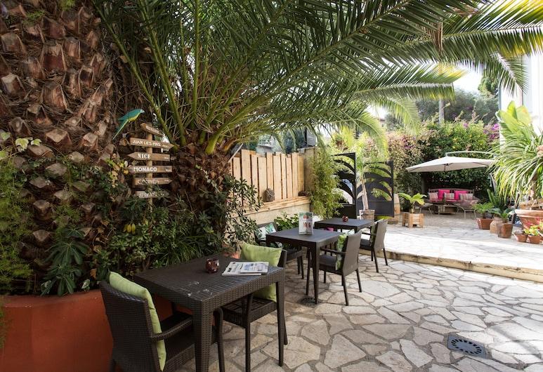 Hotel Le Petit Castel, Antibes