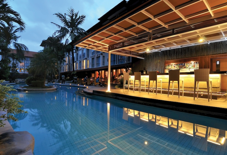 Prime Plaza Hotel Sanur - Bali, Denpasar, Poolside Bar