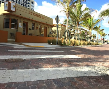 Picture of The St. Maurice Beach Inn in Hollywood