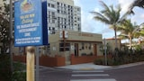 Choose this Motel in Hollywood - Online Room Reservations