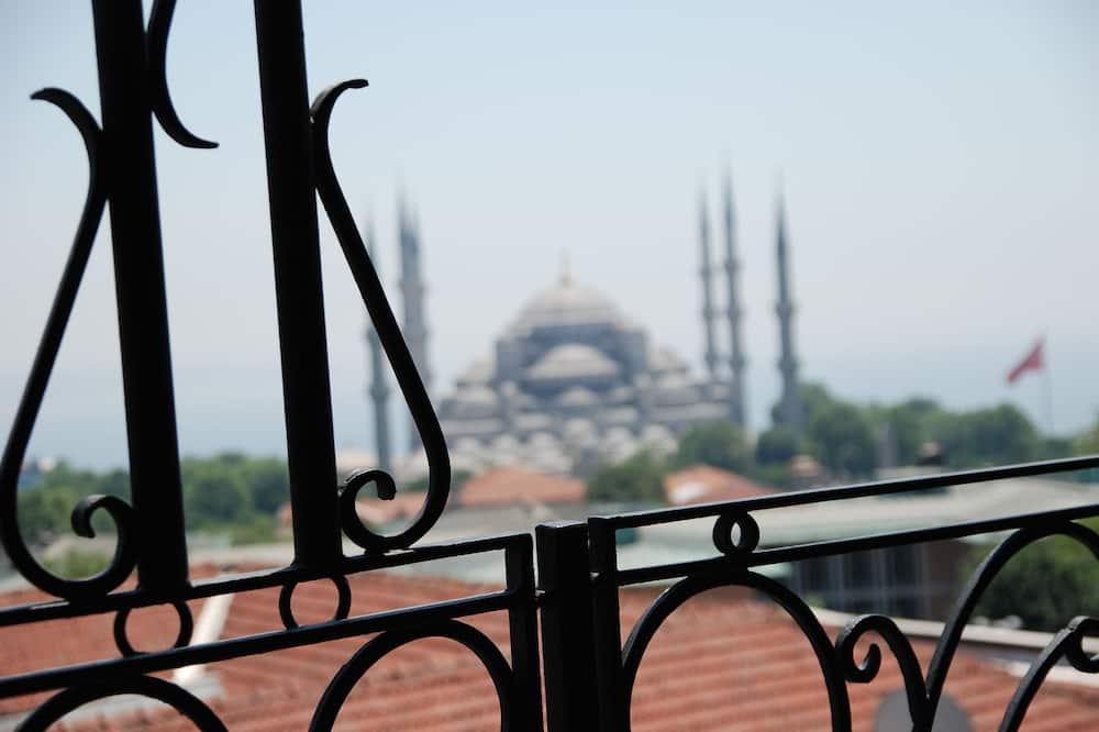 Deluxe-Zimmer, Balkon, Meerblick - Blick auf die Stadt