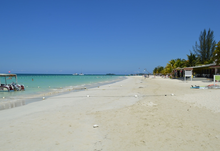 The Oasis Resort, Negril, Beach