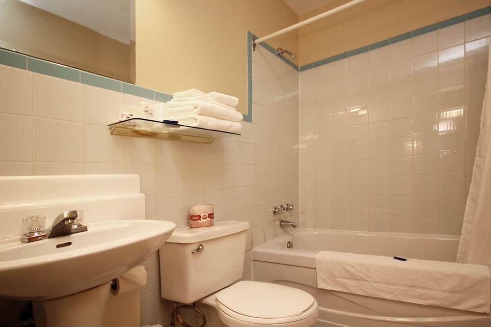 Osnovna soba, 1 bračni krevet - Kupaonica