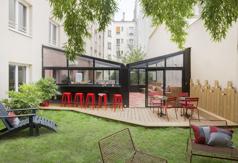 Hotel Izzy by HappyCulture, Issy-les-Moulineaux, Taras/patio