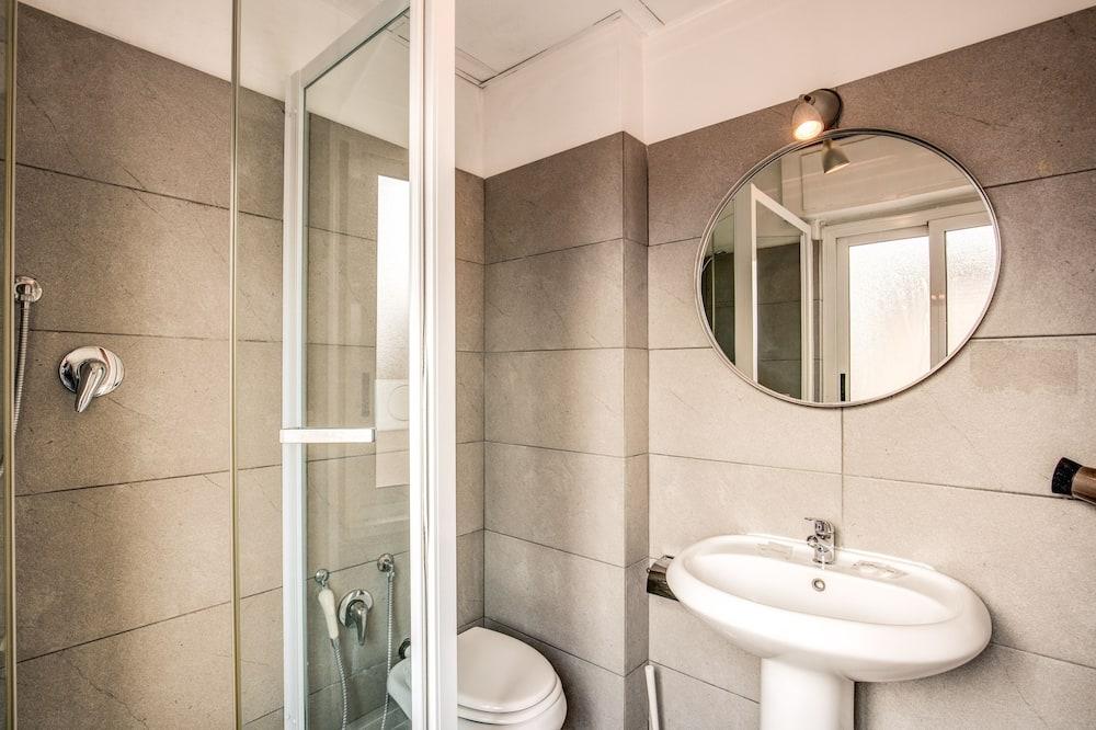 Studio, 1 Bedroom - Bathroom