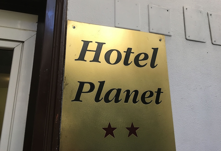 Hotel Planet, Rom