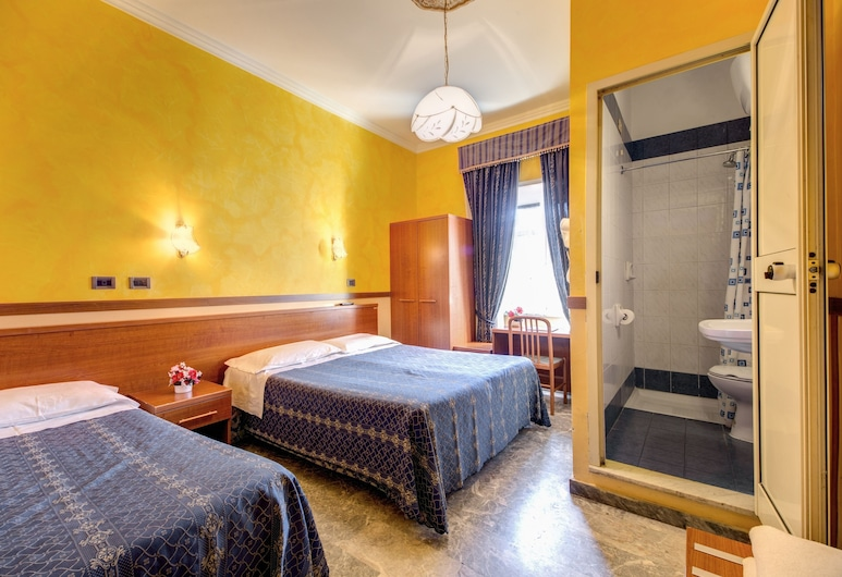 Hotel Planet, Rome, Triple Room, Guest Room