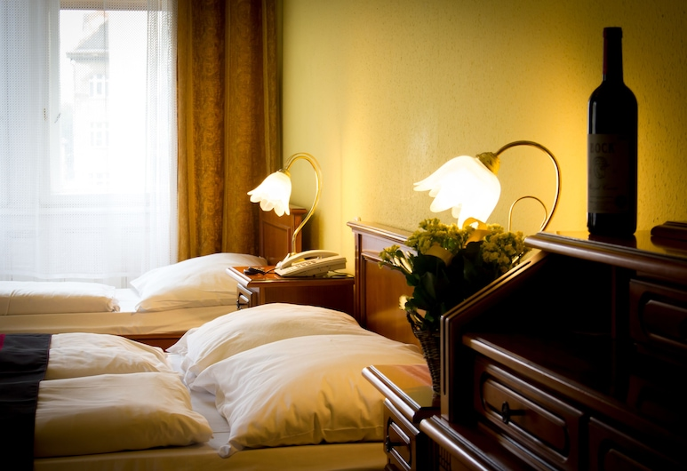 City Hotel Unio, Budapeszt, Pokój dla 3 osób standardowy, Pokój